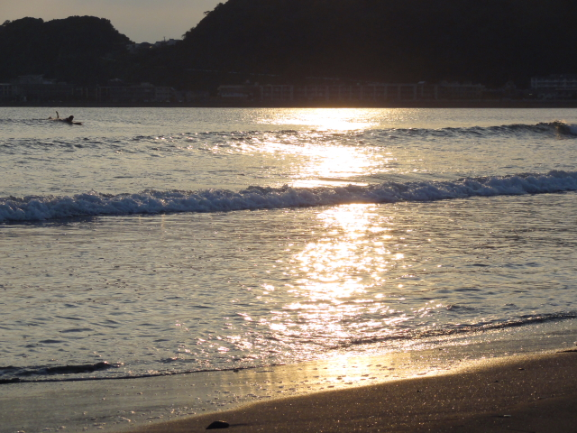 sunset wave riding.JPG